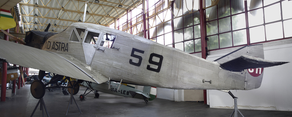 an analysis of the development of a spy aircraft in the first world war Early history: from balloons to radio control aircraft evolved rapidly during the first world war, with unmanned concepts soon followingread more.